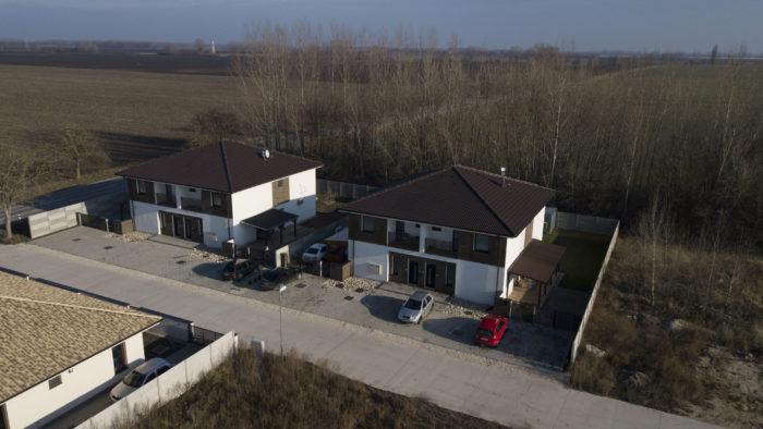 4 bytové jednotky Horný Bár